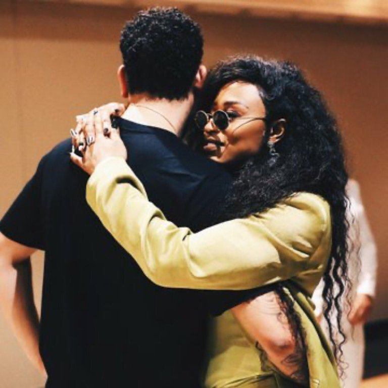 DJ Zinhle trends again all thanks to AKA for oversharing