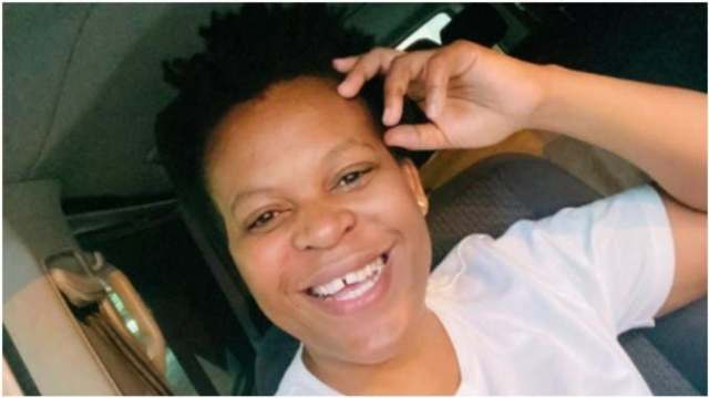 Watch: Zodwa Wabantu sells eggs and live chickens after entertainment industry is shut down