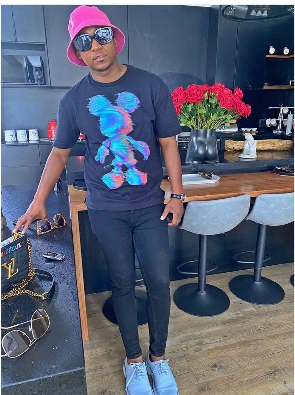 """Girlfriend Lamiez Holworthy gave him clothes after a sleepover"" – Social Media mocks Khuli Chana's outfit"