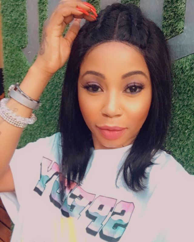 Watch: Kelly Khumalo prays for the end of Covid-19