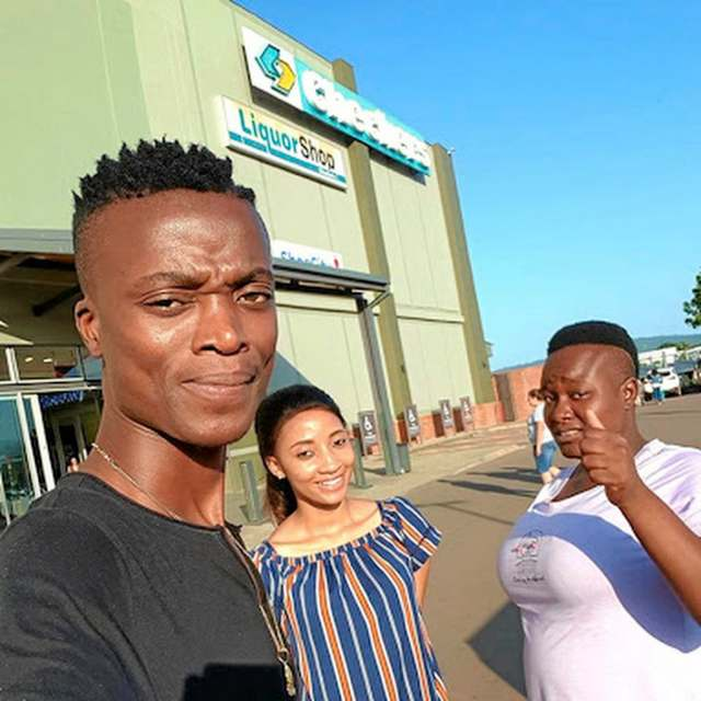 King Monada appreciates his wives and children