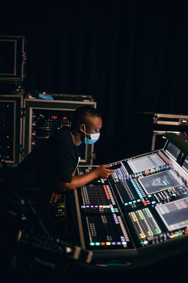 Pics: DJ Shimza shows-off his R3.6 million DJ Desk