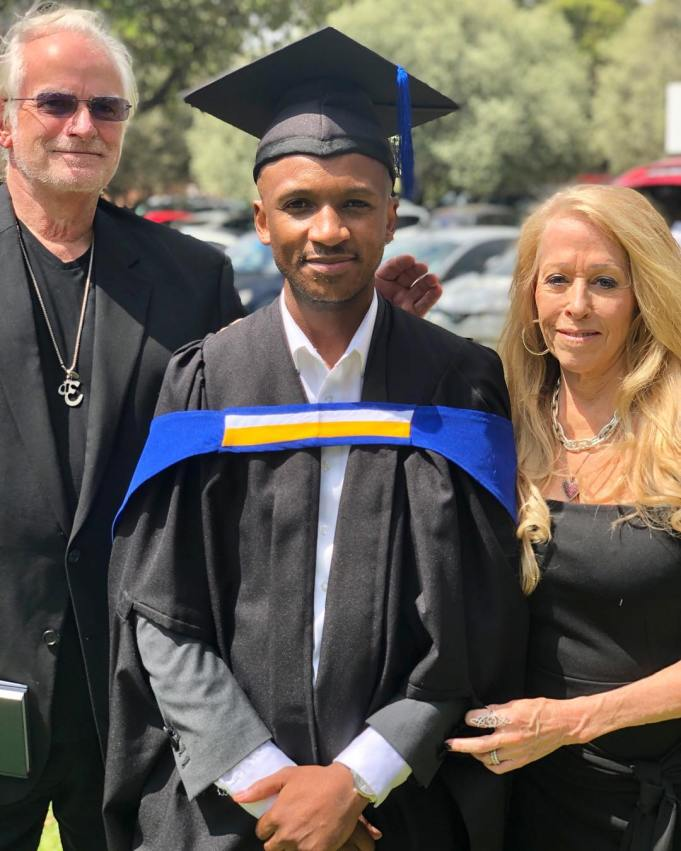 Psyfo's mourns the death of his mother