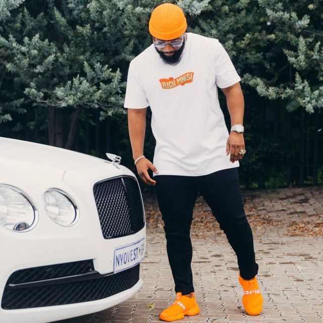 Watch: Cassper Nyovest buys a Rolls Royce few months after purchasing Bentley