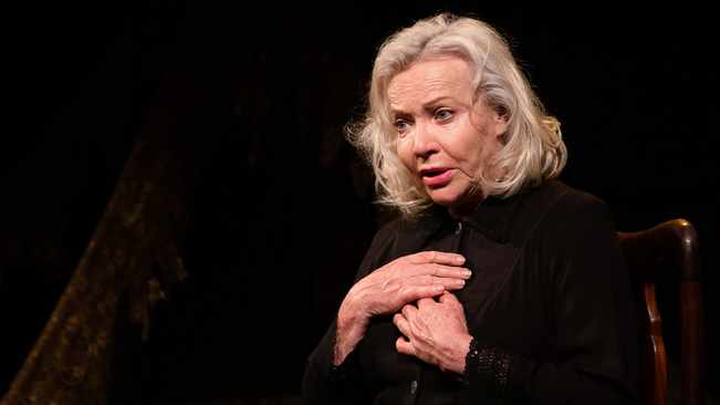 Sandra Prinsloo and Lara Foot collab in gut-wrenching theatre drama 'Kamphoer'