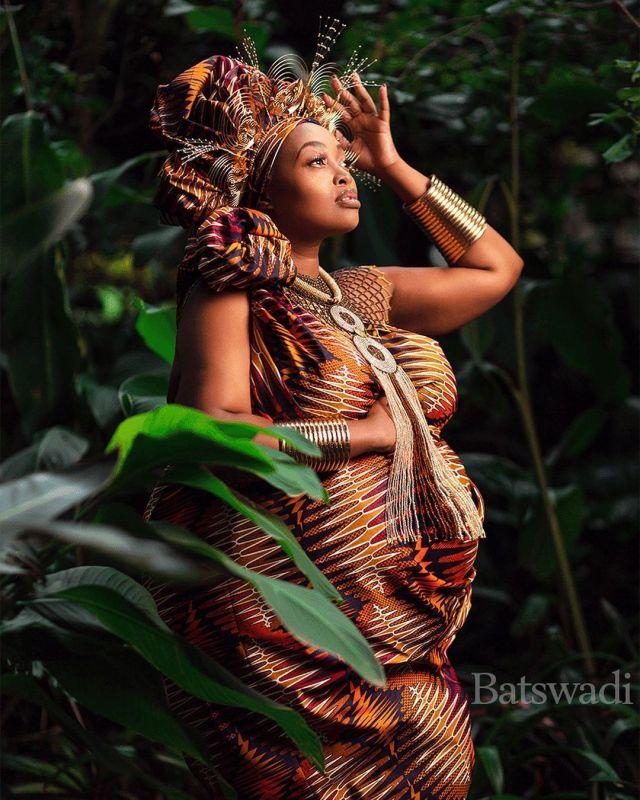 Congratulations to Radio personality Relebogile Mabotja debuts her pregnancy