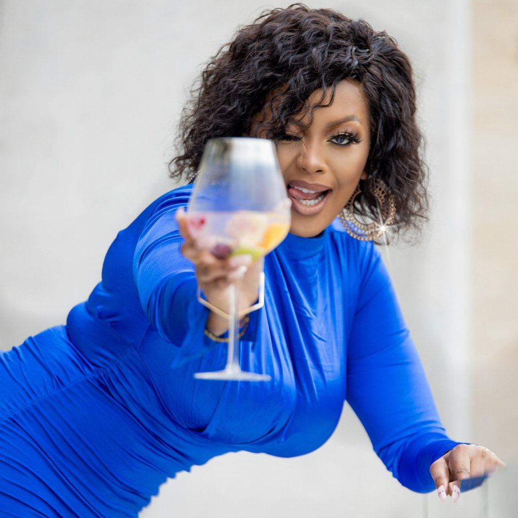 Lerato Kganyago hints on a big announcement to her fans