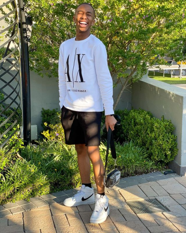 Lasizwe's fund raising for Wits students reaches K317 in 24hrs