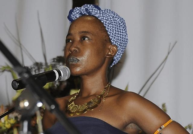 Nota Baloyi gushes over Ntsiki Mazwai – Video