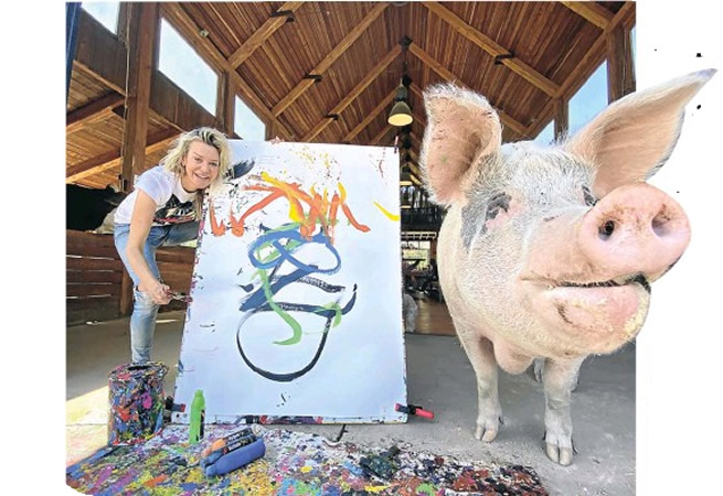 A pig painted this portrait of Prince Harry and it sold for R50,000