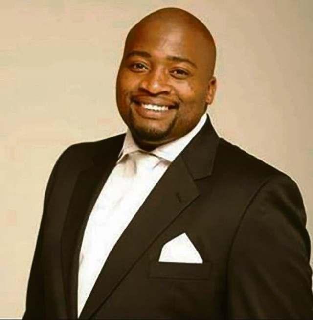Singer Sfiso 'Mkhaya' Dladla in ICU after thug shot him multiple times in stomach
