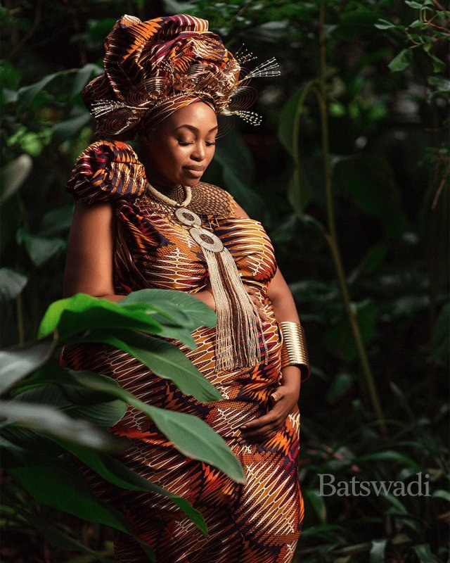 Media personality Relebogile Mabotja gushes over her pregnancy – Photos