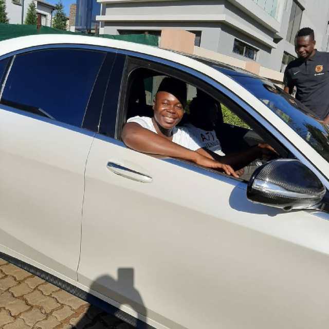 Former Idols SA contestant Vhudie blesses himself with a brand-new car – Photos