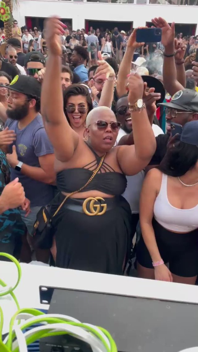 Female version of Uncle Vinny takes social media by storm – Video