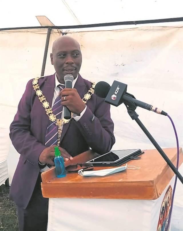 Mayor Comfort Khumalo blasts DJ Tira for neglecting his hometown