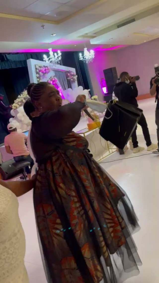 Mbombo twins bring mom to tears with a surprise birthday performance from Rebecca Malope – Video