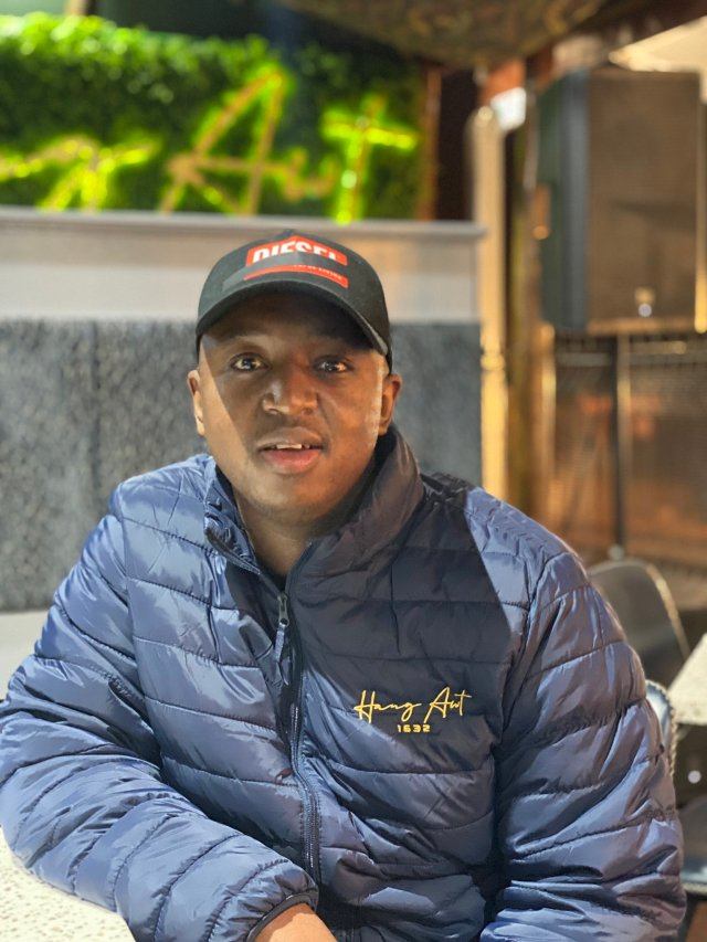 Shimza rocks work uniform for the first time ever – PICS