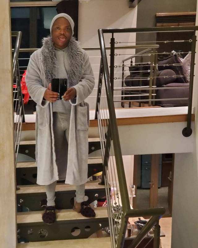 Somizi's photos wearing grey pants showing his privates leave ladies talking – Pictures