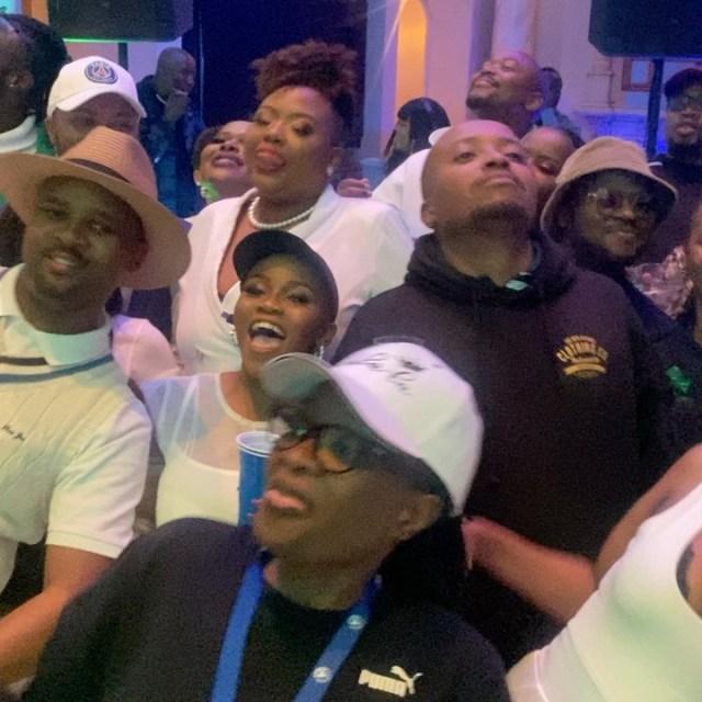 Video: Anele Mdoda's Dakiwe Challenge leaves Mzansi in stitches