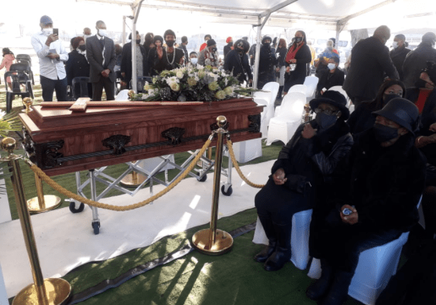 Brenda Fassie's sister Lindiwe laid to rest – Pictures