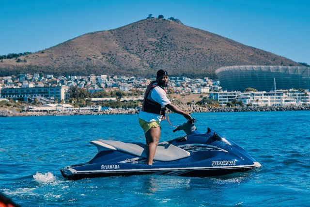 Cassper Nyovest brags as 'Siyathandana' is number one in the country
