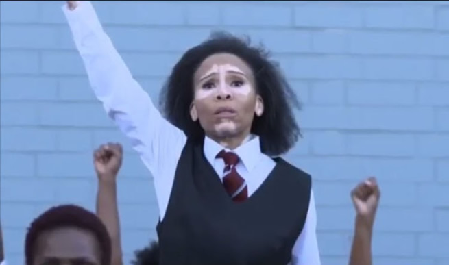 AMAZING! Leleti Khumalo re-enacts scenes from 'Sarafina!' (WATCH VIDEO)