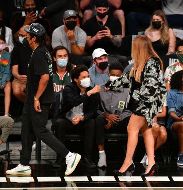 Photo: Trevor Noah and Beyoncé moment has Mzansi talking