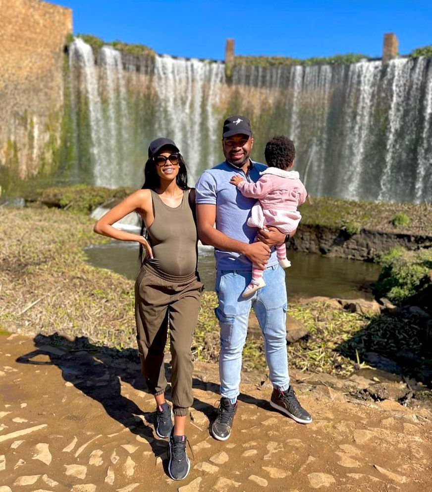 Love and congratulatory messages pour in after Itumeleng Khune's wife Sphelele shares cute photo of their newborn baby, Lesedi