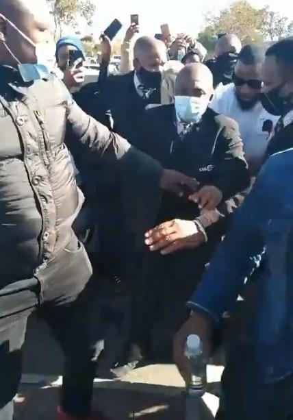 Cassper Nyovest causes commotion ekhasi – Video