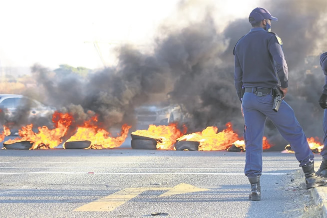 #KZNShutdown – KZN Government authorities call for calm amid fiery protests
