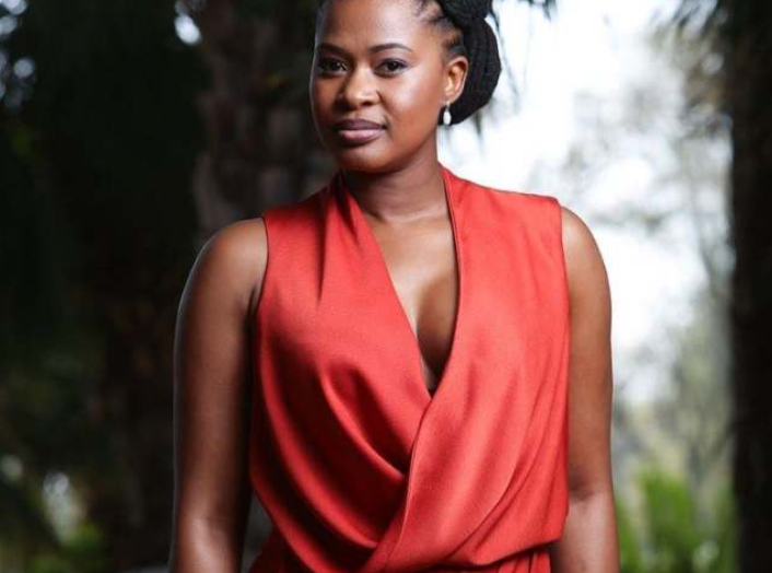 The Queen's ACTRESS ZENANDE MFENYANA GOES ALL OUT TO GET HER PARENTS VACCINATED