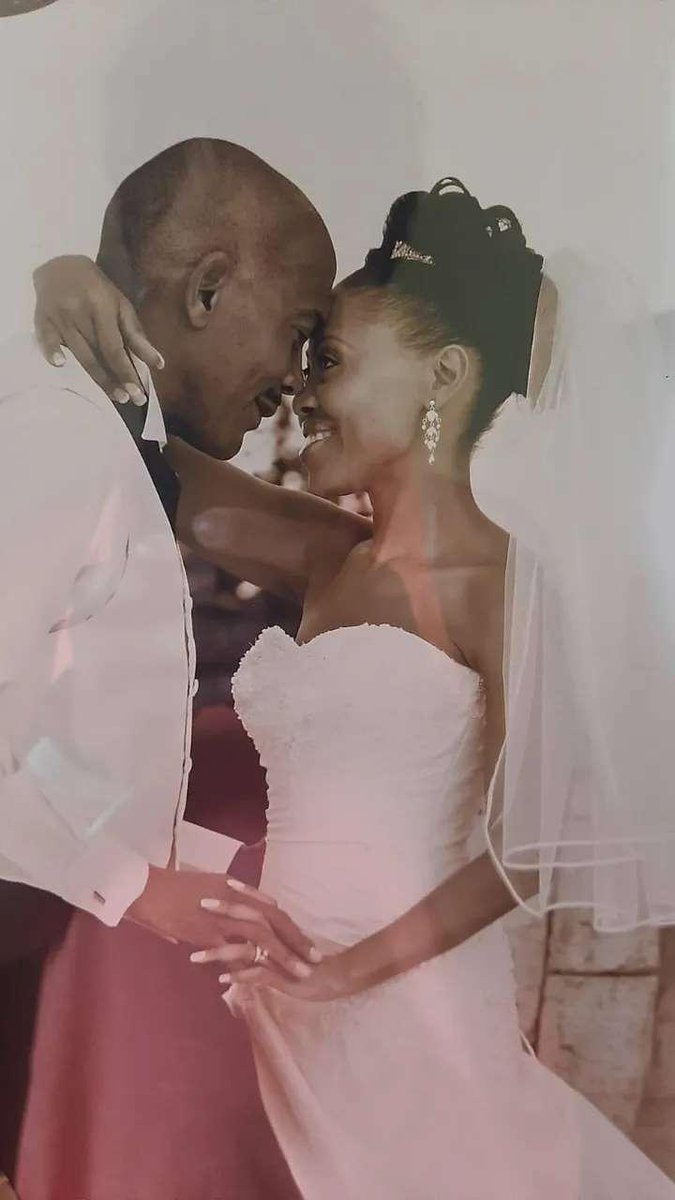 Popular media personality Redi Tlhabi and hubby celebrate 11th wedding anniversary
