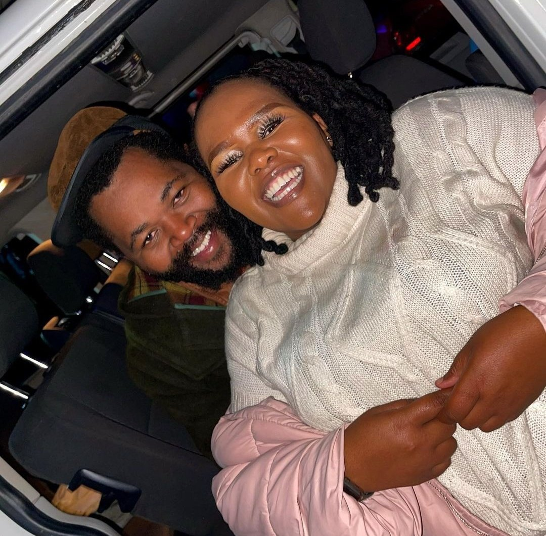 PICTURES – Sjava Debuts His 3 Wives