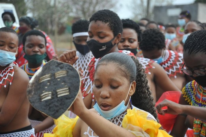 King Misuzulu kaZwelithini oversees his first reed dance festival – Pictures