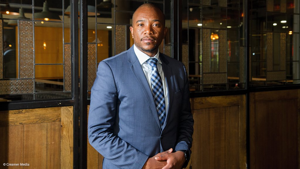Mmusi Maimane urges SA to vote for independents in local elections