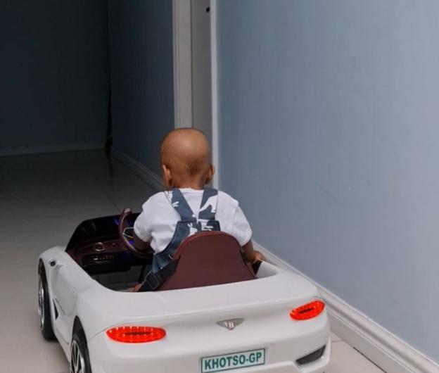 VIDEO: CASSPER NYOVEST'S SON CRUISES IN HIS NEW BENTLEY